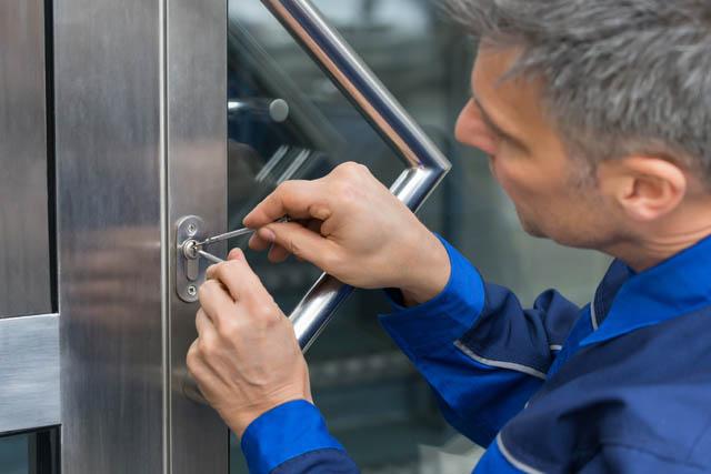 Montatore serramenti