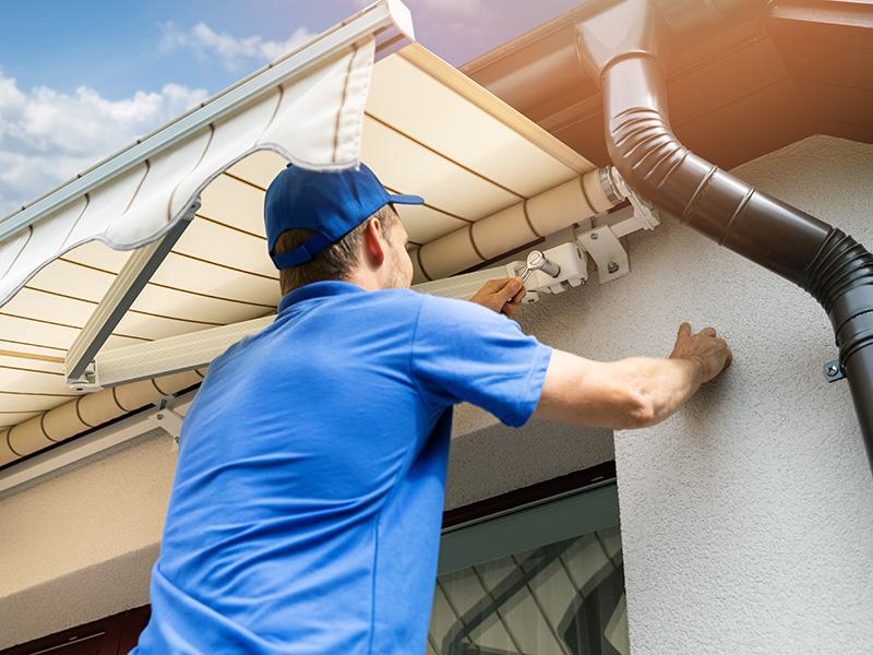 Montatore sistemi protezione solare